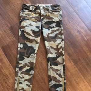 Aritzia TNA Camouflage Skinny Utility Jeans Pants